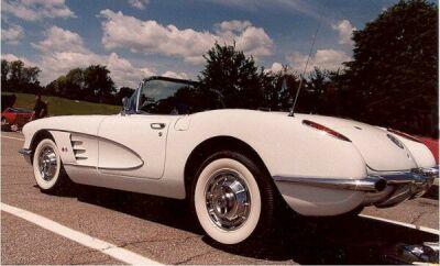 chevrolet-corvette-1960a