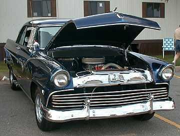 ford-fairlane-1956a