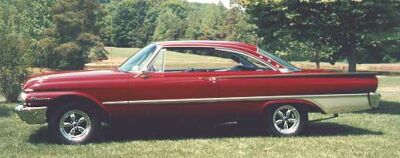 ford-fairlane-starliner-1961a