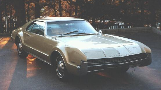 oldsmobile-toronado-1967a