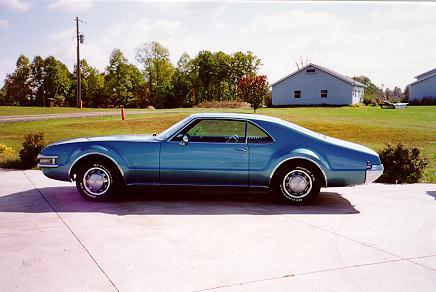 oldsmobile-toronado-1968a